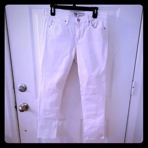 Gap girlfriend fit white jeans